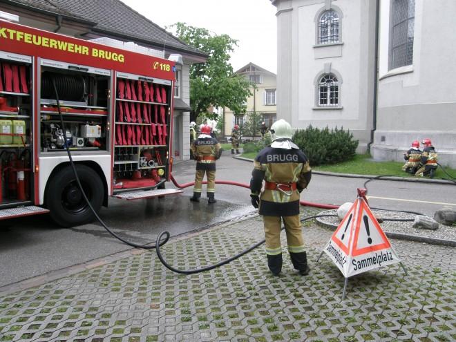 Brand in Raum unter Katholischer Kirche